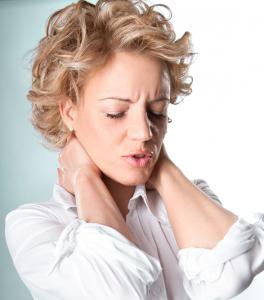 Mal aux épaules et à la nuque  Au dos  En voici les causes probables
